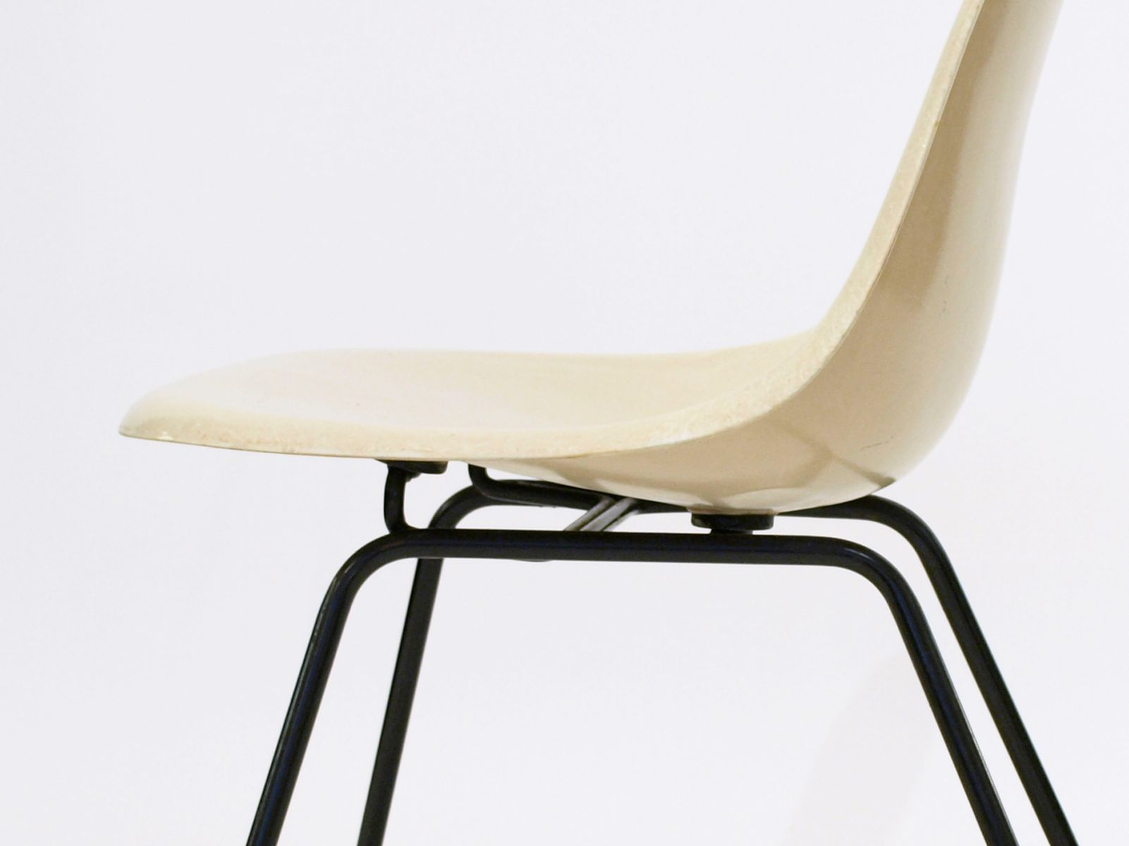 DAX Side Chair by Ray & Charles Eames for Herman Miller for sale at Pamono