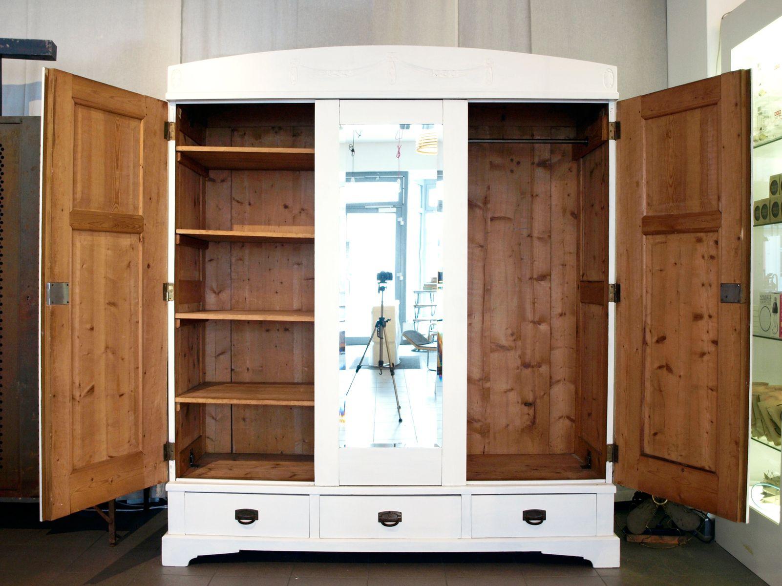 vintage jugendstil kleiderschrank bei pamono kaufen. Black Bedroom Furniture Sets. Home Design Ideas