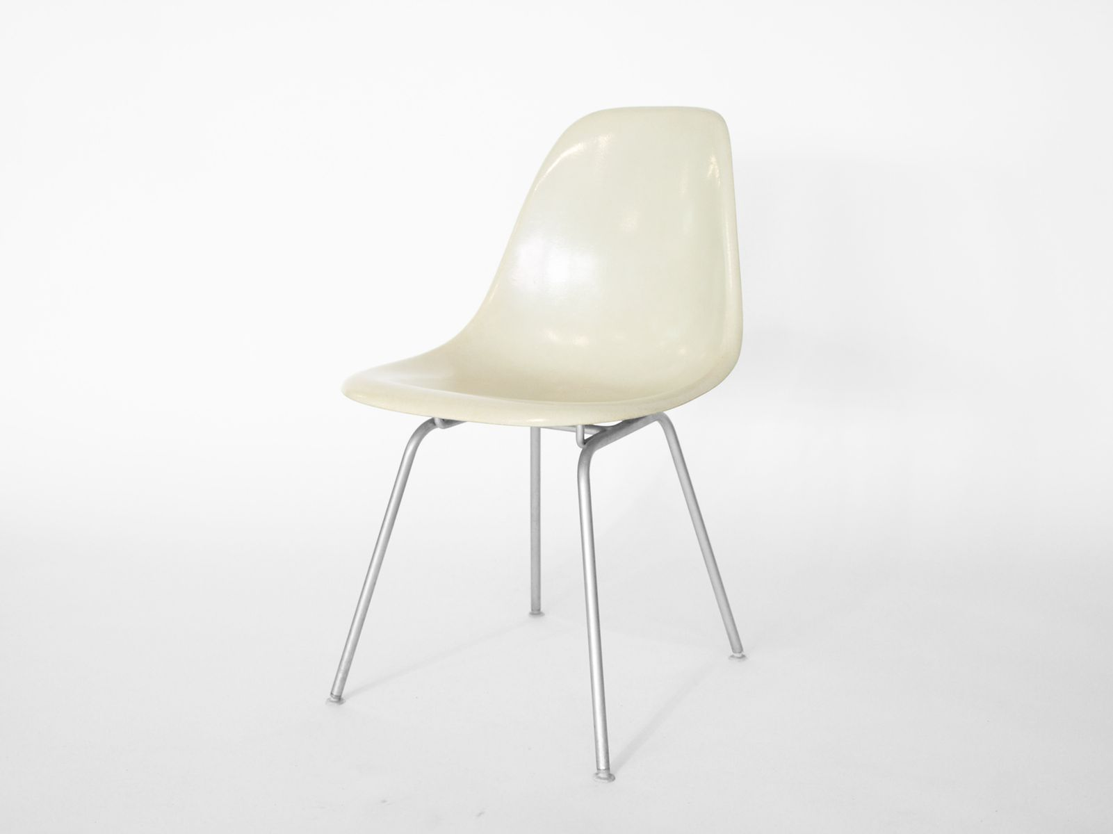 vintage side chair by charles ray eames for herman miller for sale