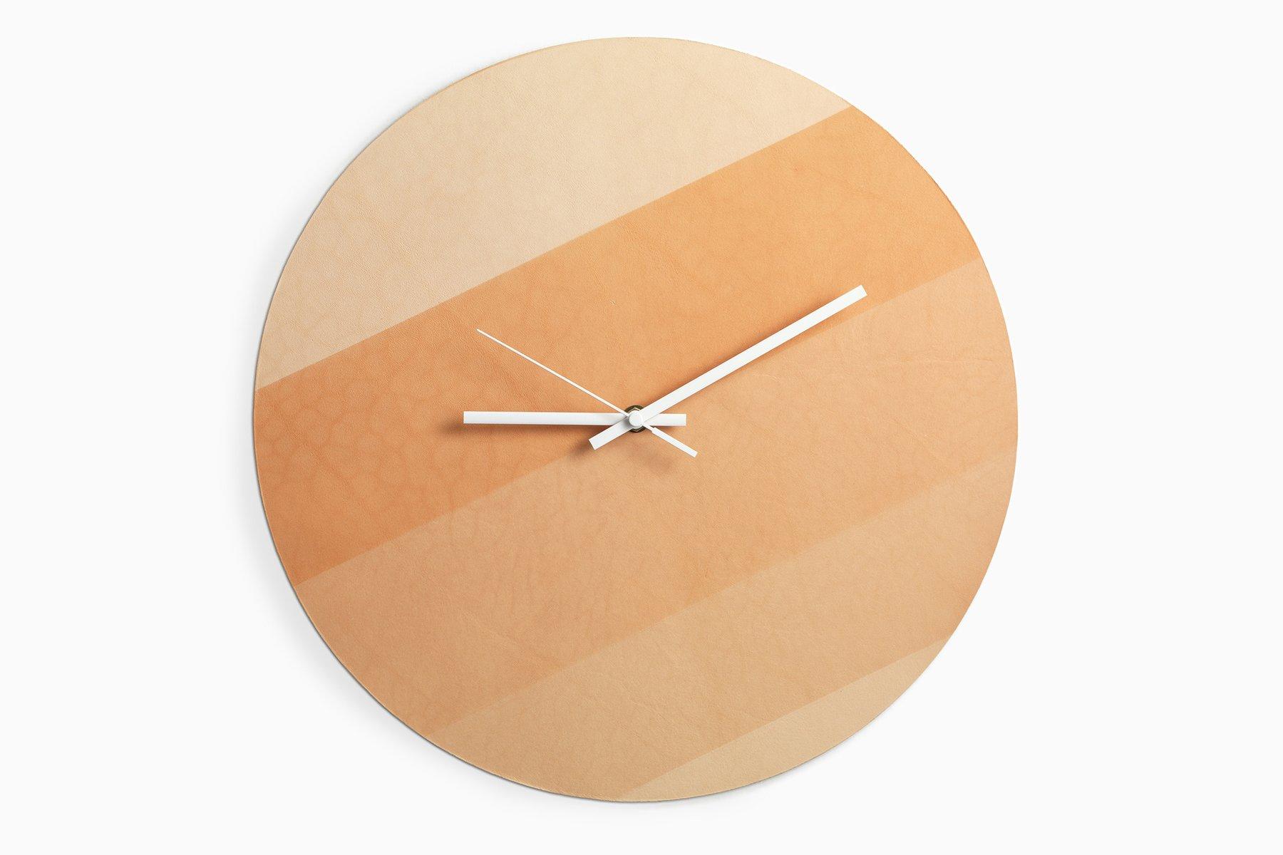 Horloge murale sunclock 3 par lina patsiou en vente sur for Horloge murale 3 cadrans