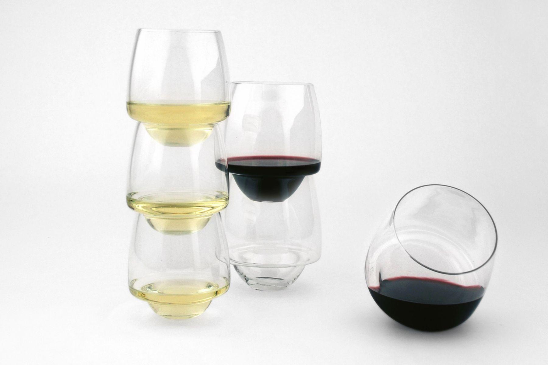 Set of 4 saturn wine glasses by superduperstudio for sale for Super u champagne