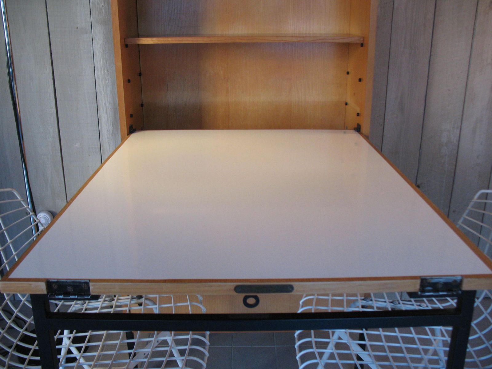 schrank mit klapptisch von a r p f r minvielle 1965 bei pamono kaufen. Black Bedroom Furniture Sets. Home Design Ideas