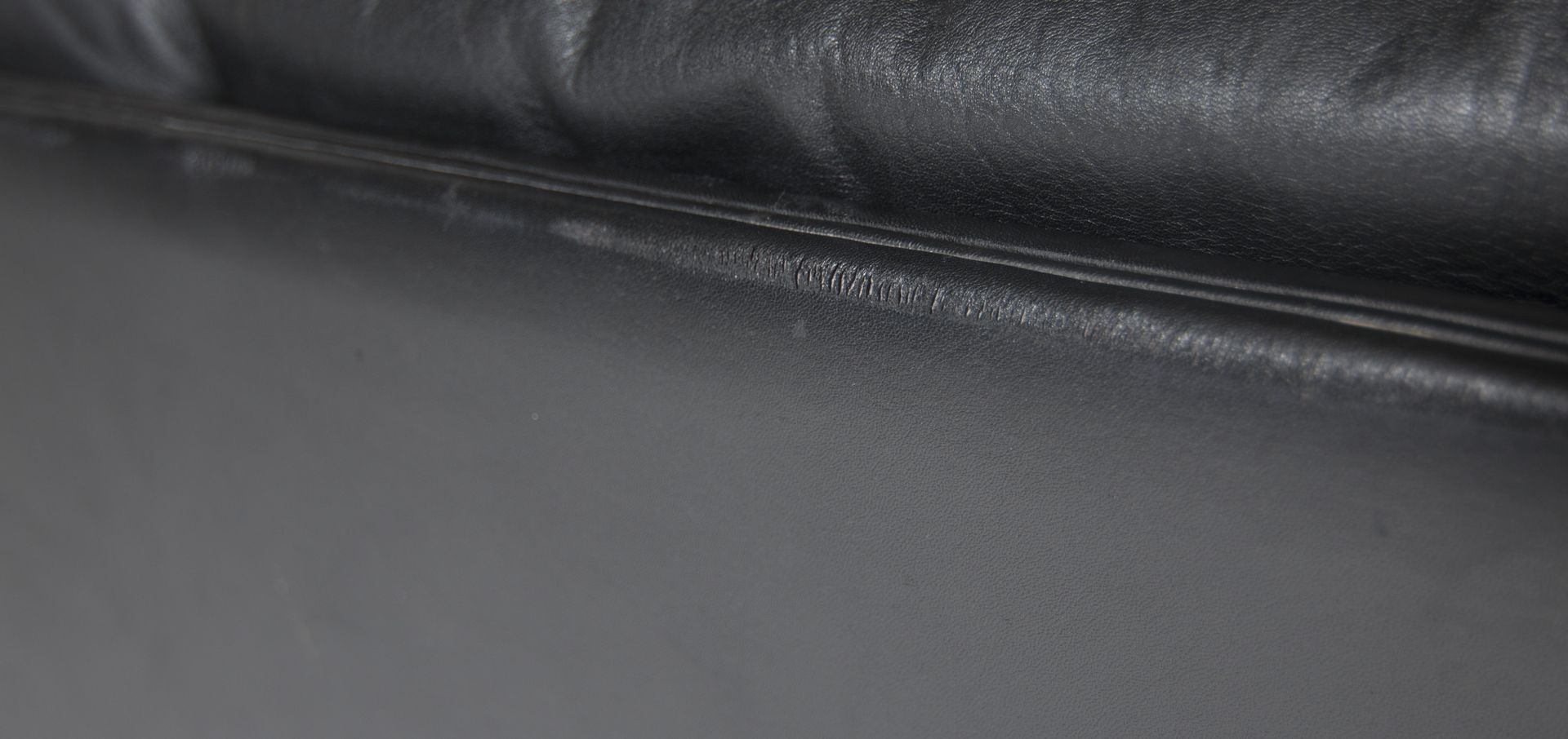 Black leather chair texture - Previous