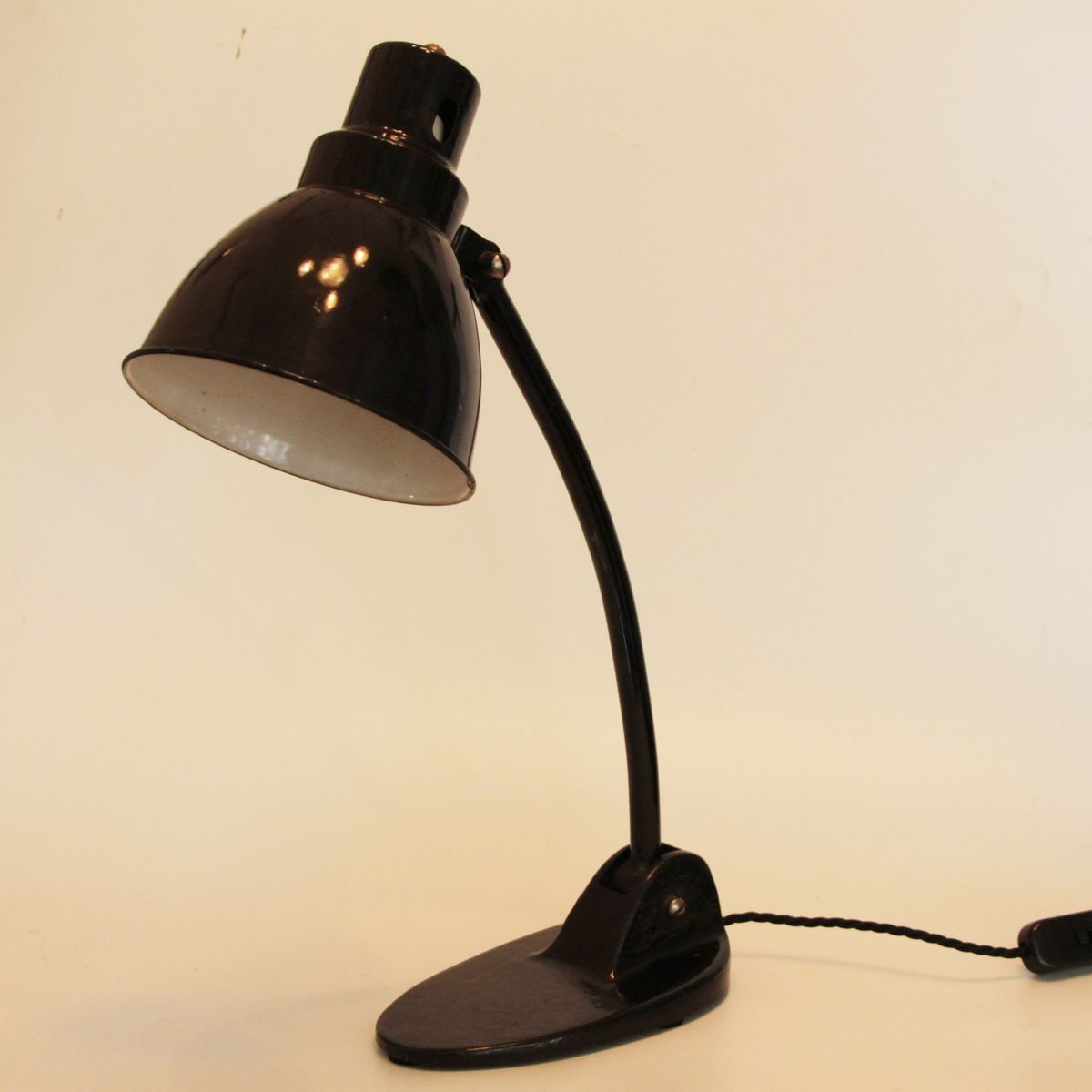 vintage bauhaus desk lamp for sale at pamono. Black Bedroom Furniture Sets. Home Design Ideas