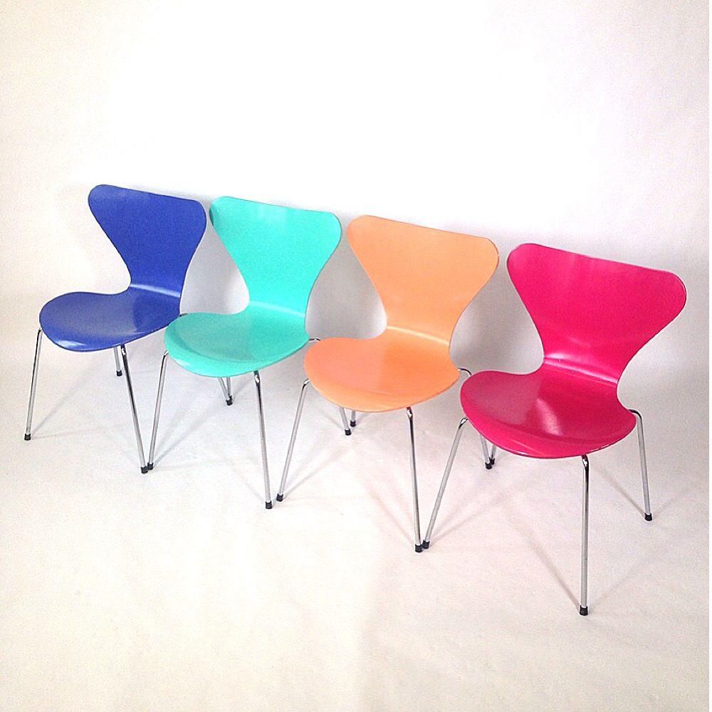 mehrfarbige butterfly chair st hle von arne jacobsen f r fritz hansen 4er set bei pamono kaufen. Black Bedroom Furniture Sets. Home Design Ideas
