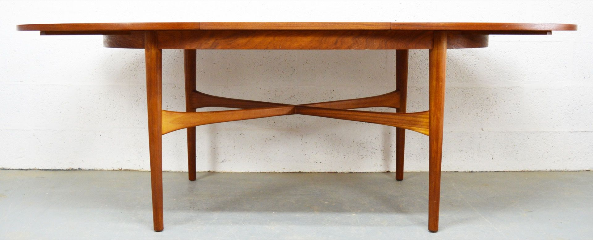 Mid Century Teak Extendable Oval Dining Table from Beithcraft for