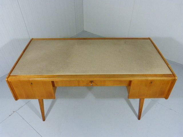 Skandinavischer buchenholz schreibtisch 1950er bei pamono for Schreibtisch aus buchenholz