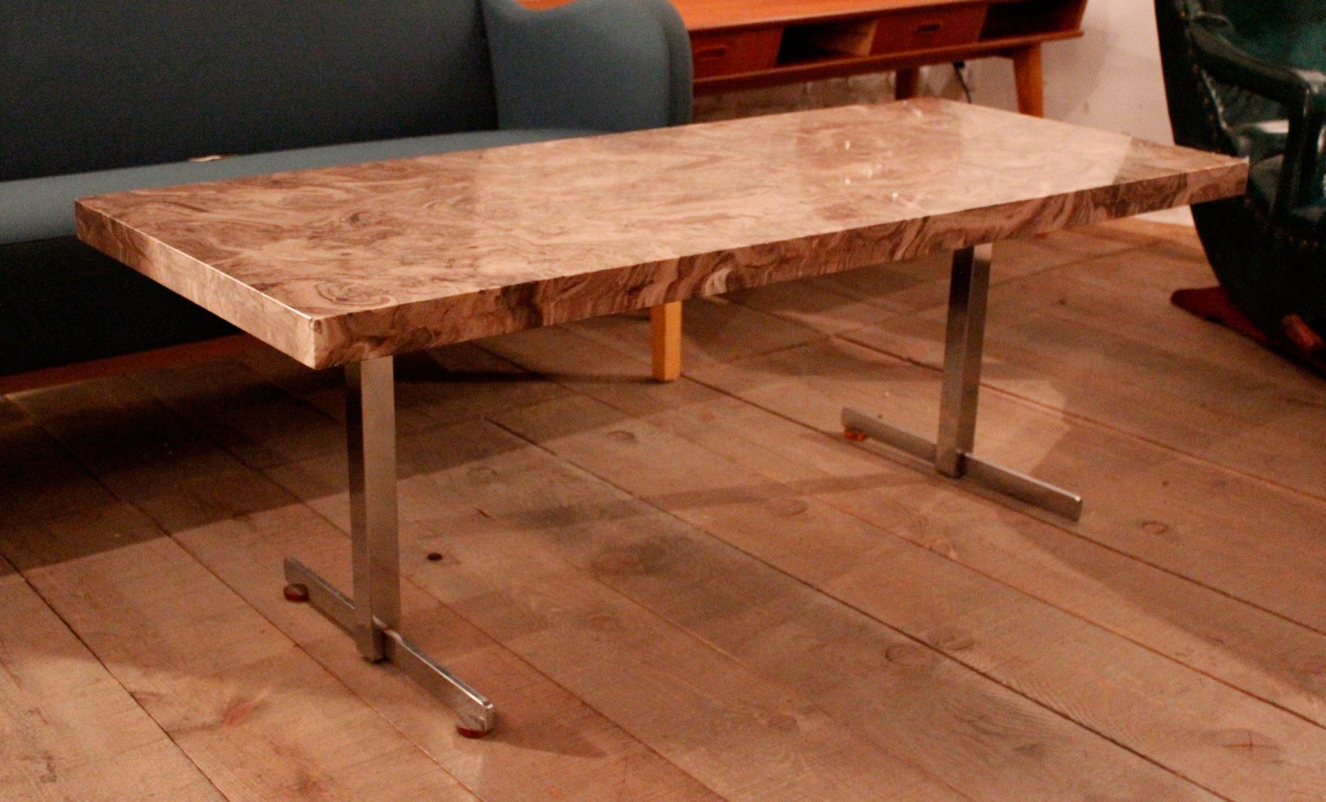 Table basse vintage en r sine espagne en vente sur pamono - Table basse en resine ...
