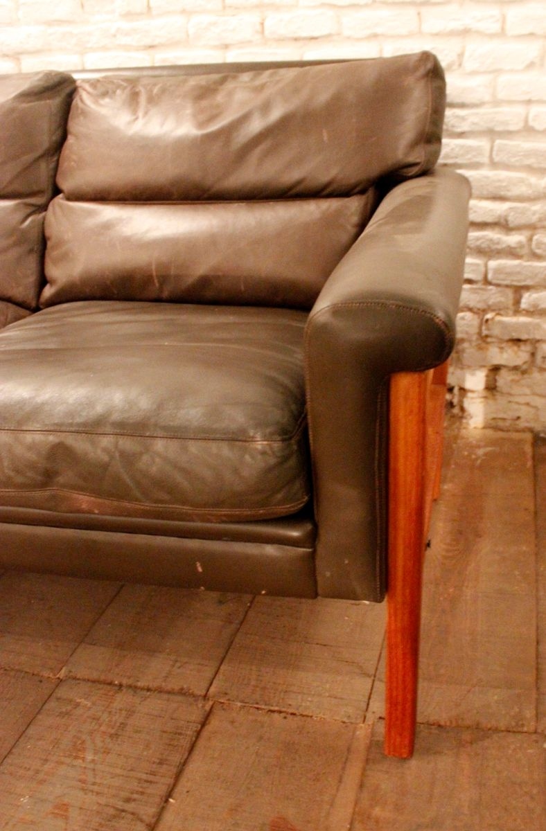 Scandinavian leather 3 seater sofa for sale at pamono for Leather sofa 7 seater