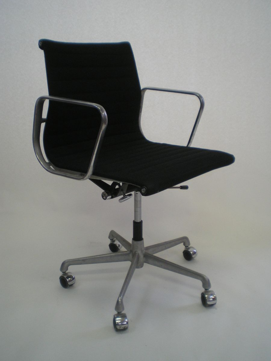 ea177 office chair by charles and ray eames for herman miller 1960 for sale at pamono. Black Bedroom Furniture Sets. Home Design Ideas