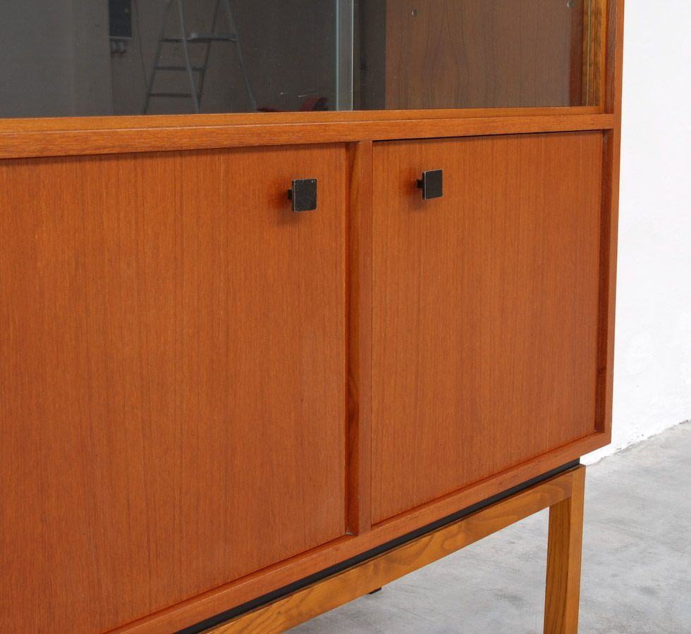 vintage small vitrine for sale at pamono. Black Bedroom Furniture Sets. Home Design Ideas