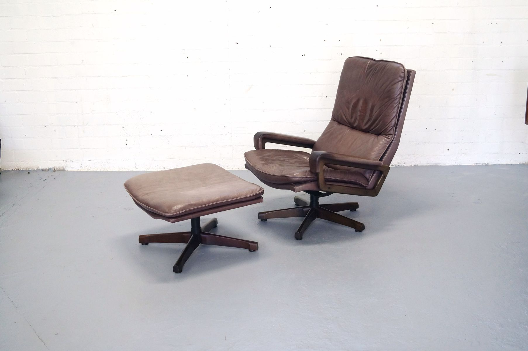 Vintage eames style chair - King Chair And Ottoman By Andre Vandenbeuck For Strassle