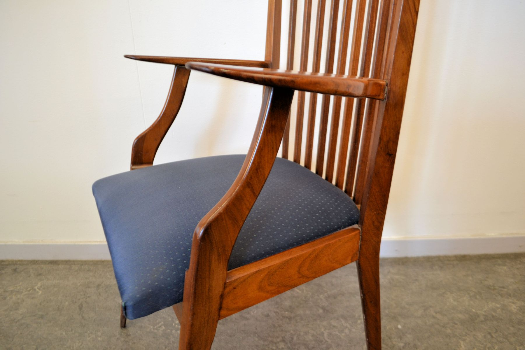 Dutch design chairs with armrests set of 5 for sale at pamono for Dutch design chair karton