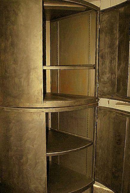 eckschrank aus metall bei pamono kaufen. Black Bedroom Furniture Sets. Home Design Ideas
