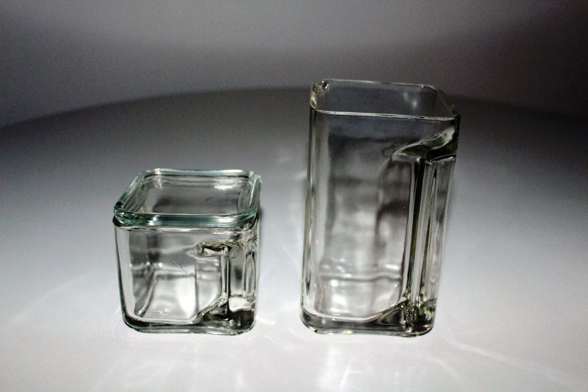 kubus glass pitcher by wilhelm wagenfeld 1940 for sale at. Black Bedroom Furniture Sets. Home Design Ideas