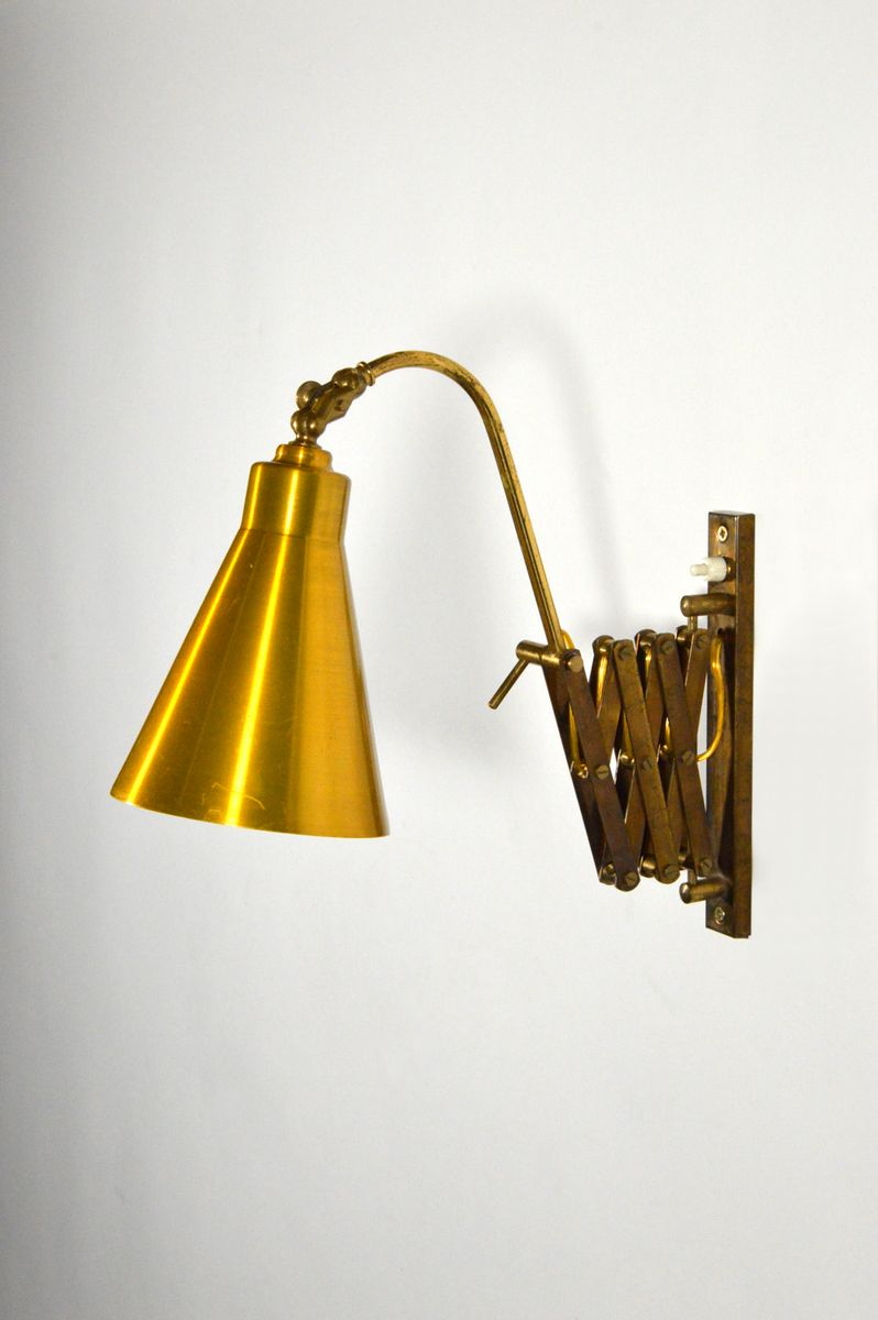 Wall Mounted Extendable Lamp : Italian Extendable Wall Lamp, 1950s for sale at Pamono
