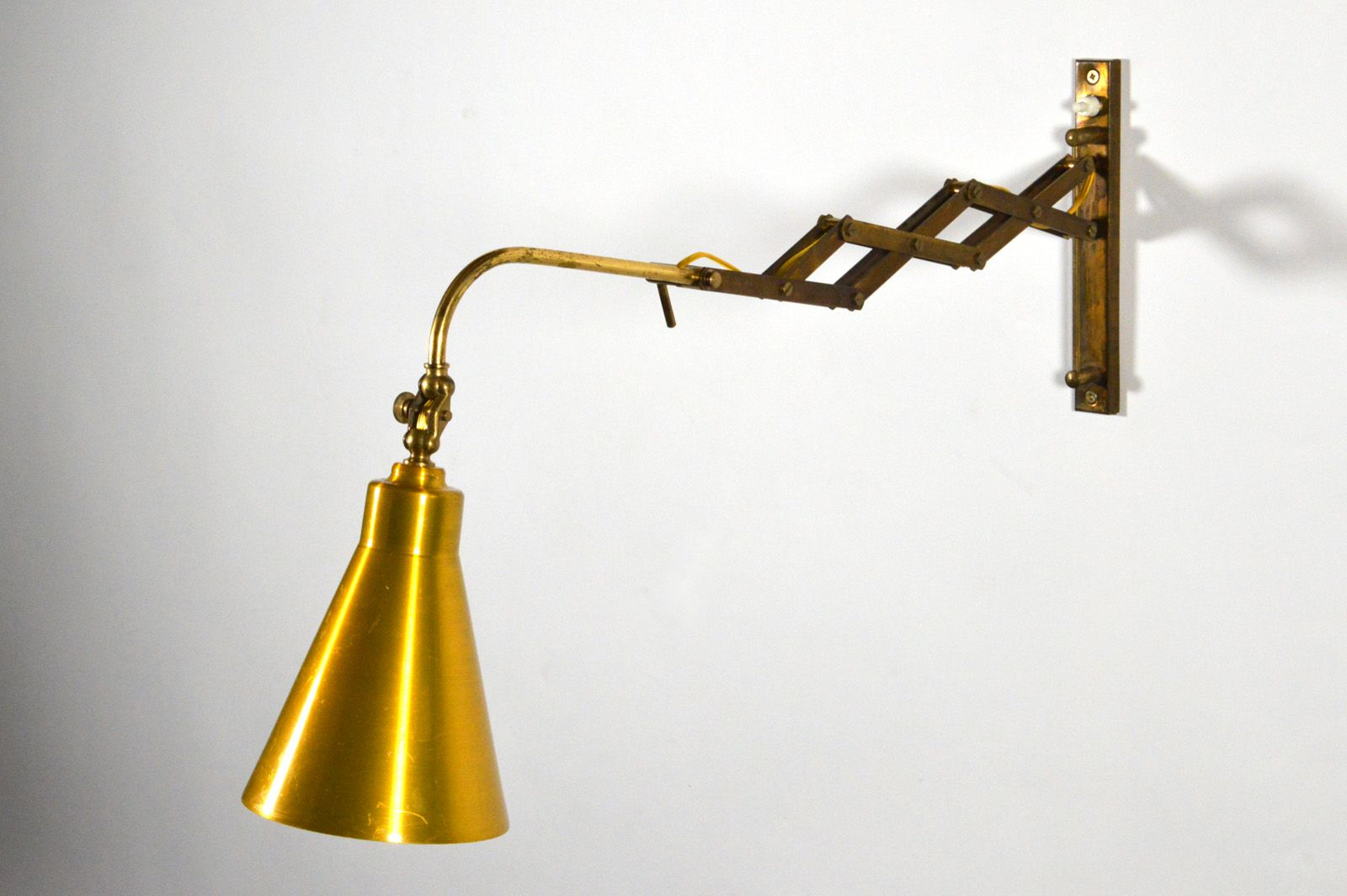Wall Lamps Extendable : Italian Extendable Wall Lamp, 1950s for sale at Pamono
