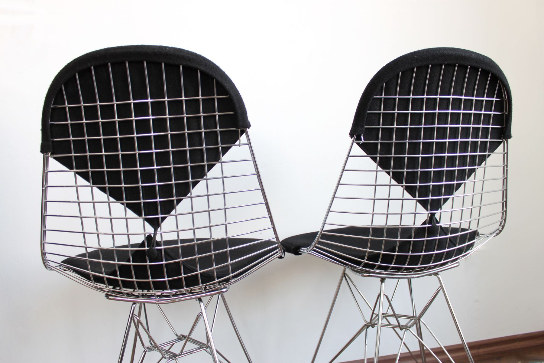 Dkr2 bikini wire chair by ray and charles eames for vitra for Eames sessel nachbau