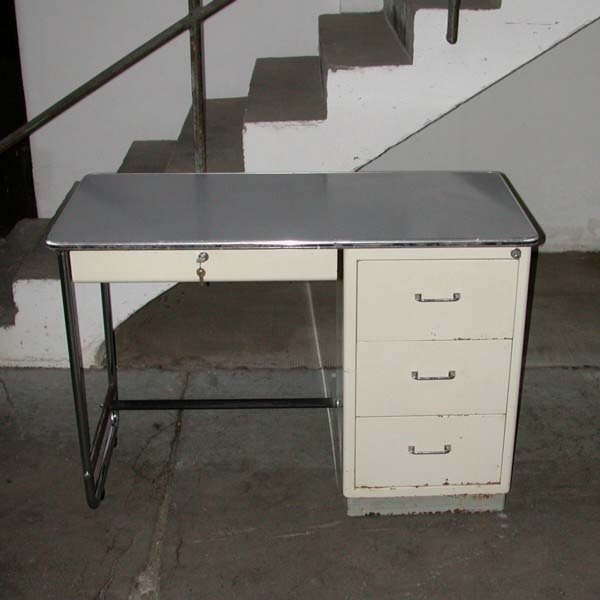 bureau de m decin industriel de mauser baisch 1950s en vente sur pamono. Black Bedroom Furniture Sets. Home Design Ideas