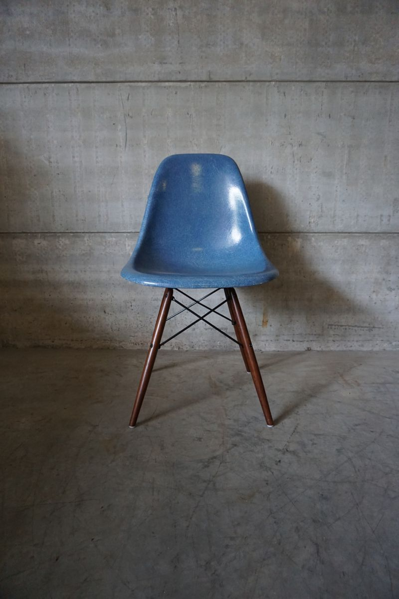 Blue dsw chair by charles ray eames 1950s for sale at for Inspiration dsw de charles ray eames