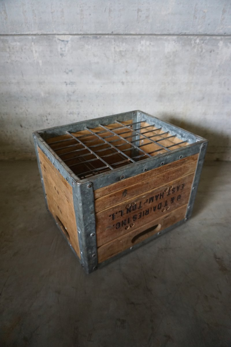 vintage american wooden milk crate for sale at pamono. Black Bedroom Furniture Sets. Home Design Ideas