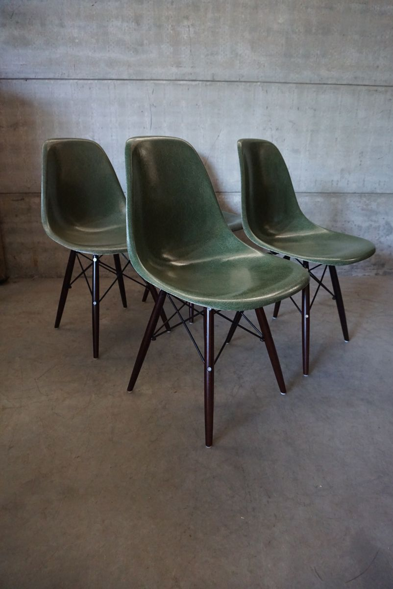 green dsw chairs by charles ray eames 1950s set of 4 for sale at