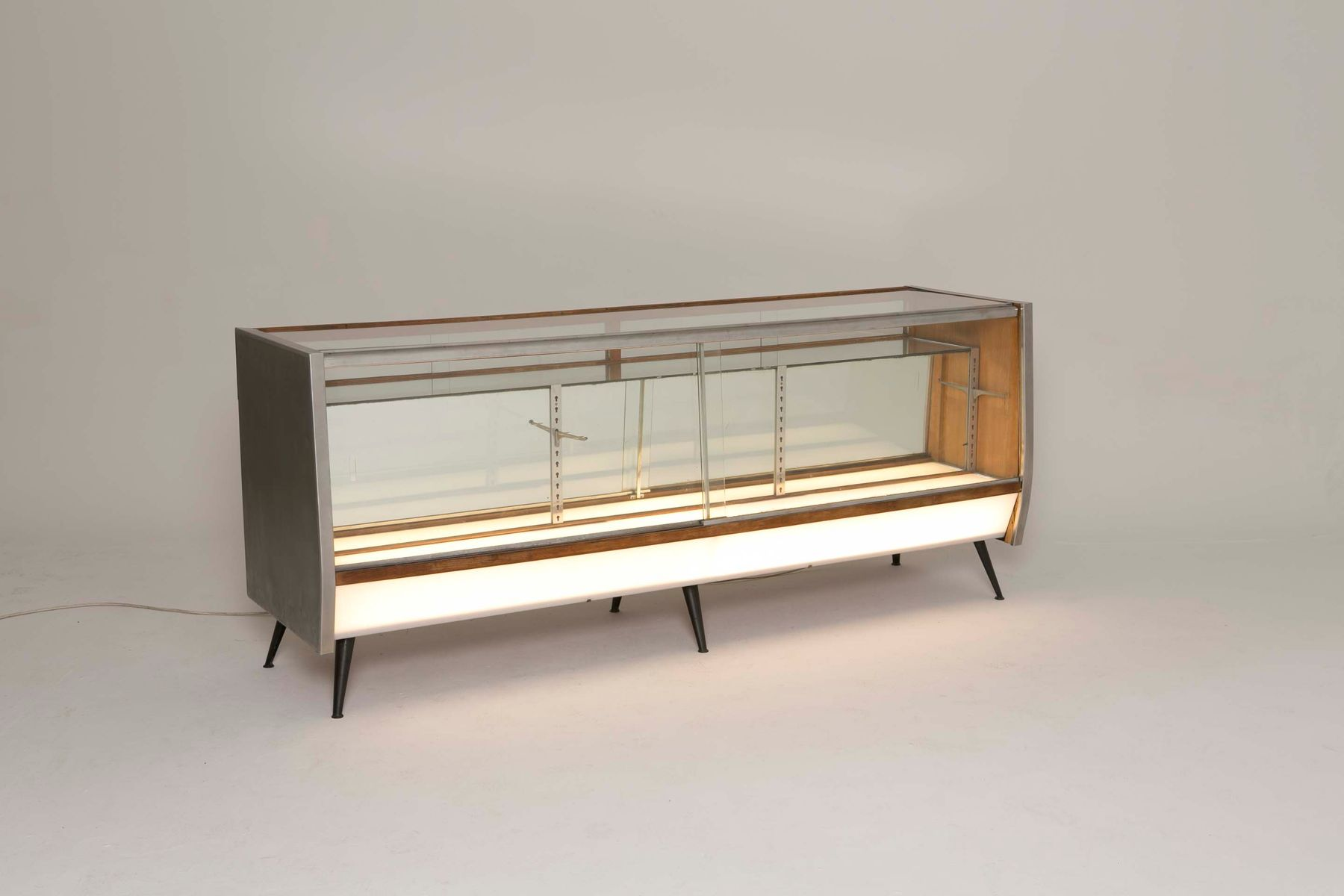 Vintage Illuminated & Mirrored Display Cabinet for sale at Pamono