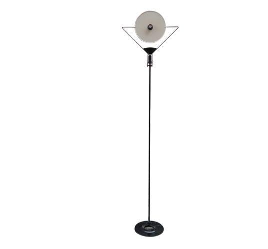 stehlampe von artemide 1970er bei pamono kaufen. Black Bedroom Furniture Sets. Home Design Ideas