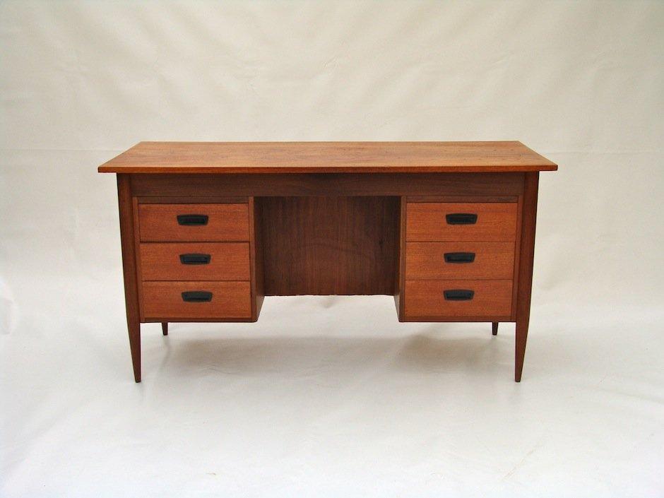 vintage schreibtisch bei pamono kaufen. Black Bedroom Furniture Sets. Home Design Ideas