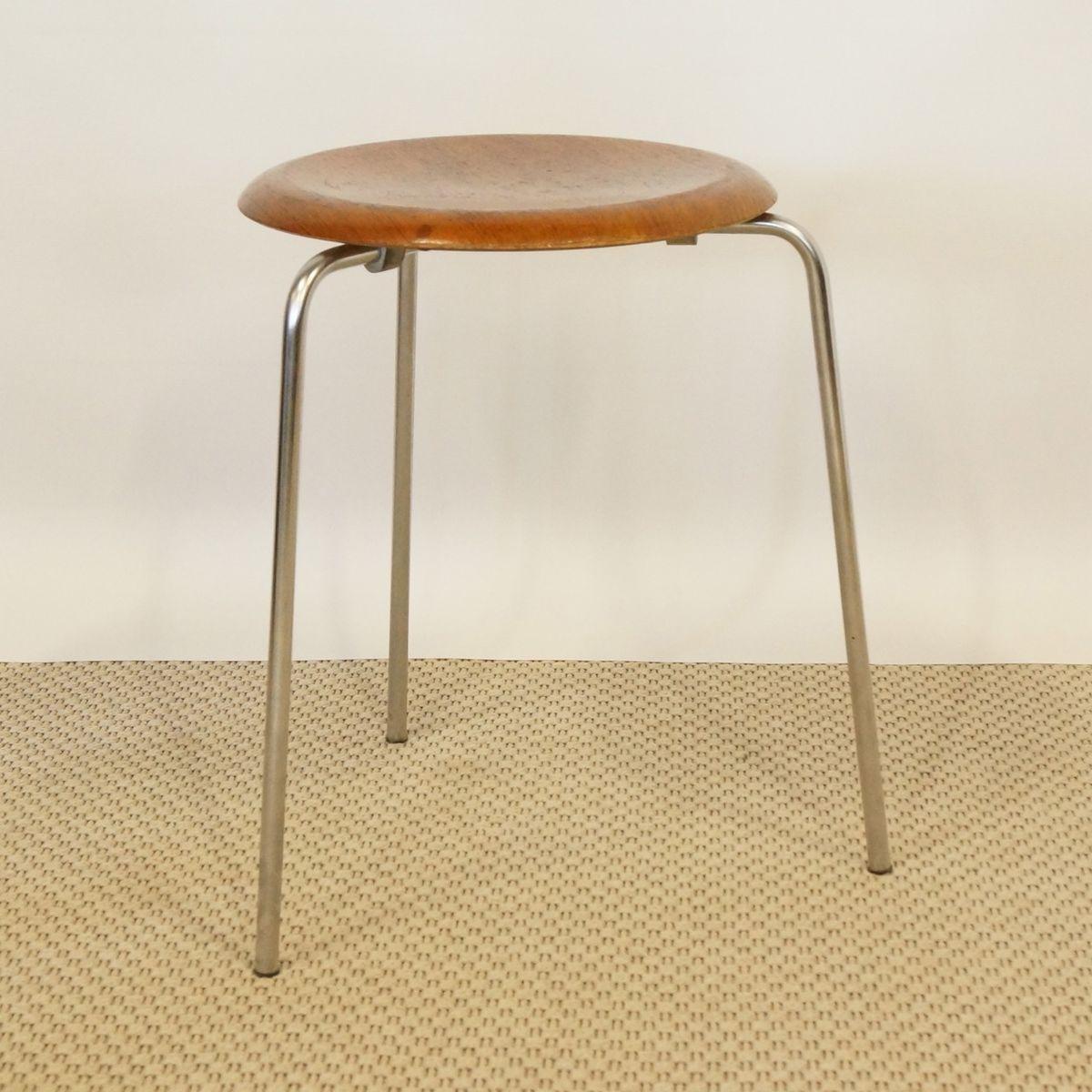 dot stool by arne jacobsen for fritz hansen for sale at pamono. Black Bedroom Furniture Sets. Home Design Ideas